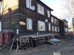 """В аварийной """"деревяшке"""" на Калинина, 17 продолжают жить люди"""